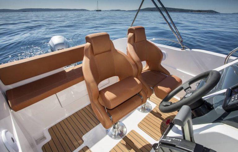Rent a Boat Barracuda Pag